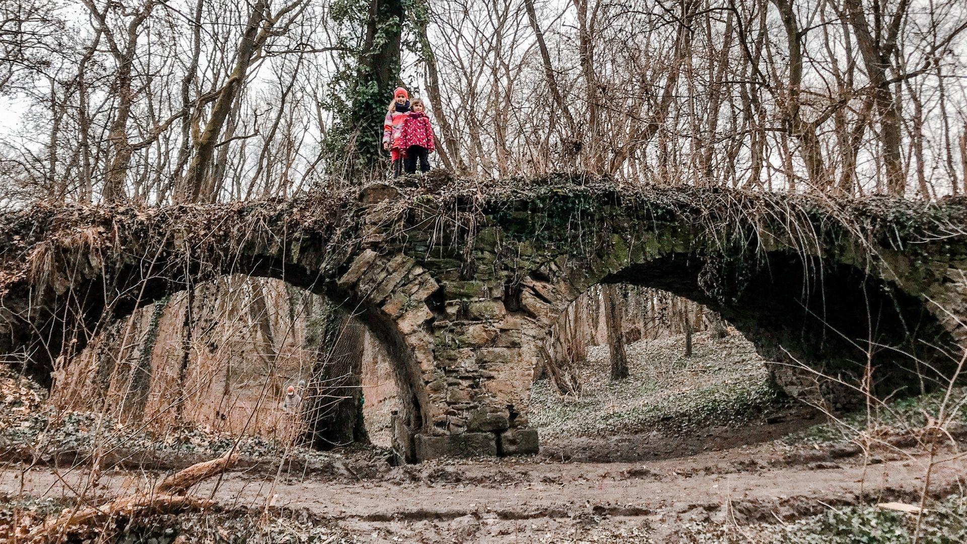 Jarovská bažantnica - barokový most